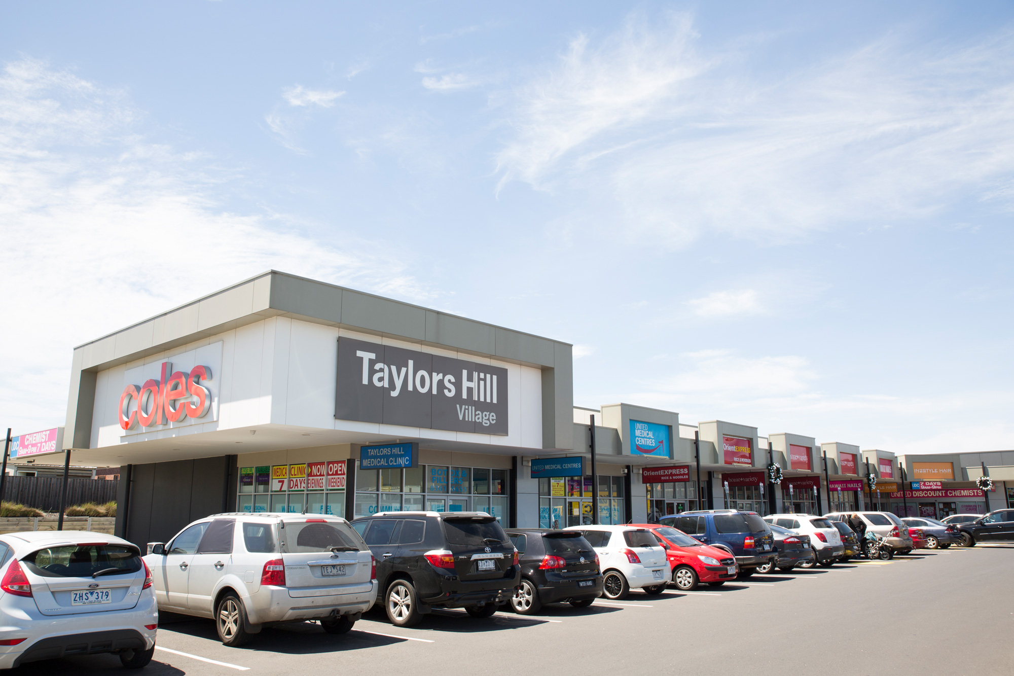 taylors-hill-shopping-centre